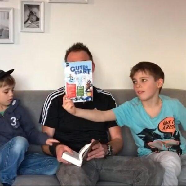 Familie Müllerbauer erklärt das Bibellesen